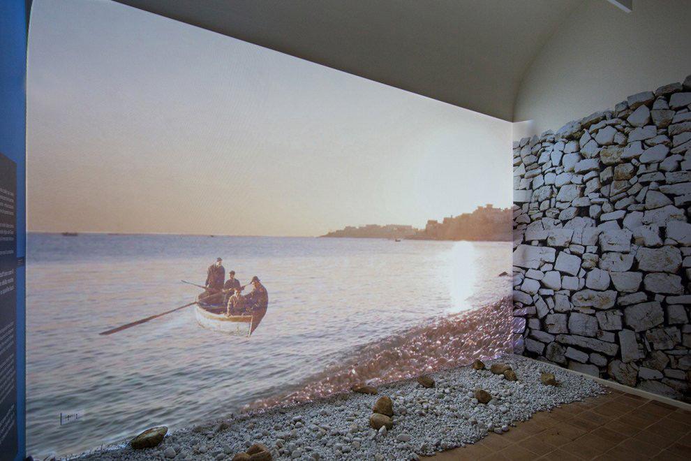 Dalla terra al mare percorso multisensoriale palazzo for Ponte delle cabine di rapsodia dei mari 2